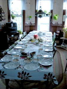 2004_Christmas Table_4in