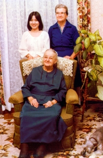 1979Grandma,Ruthie, Phuong_small