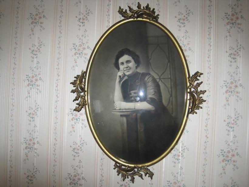 Grandma before her marriage to Mennonite Henry Longenecker