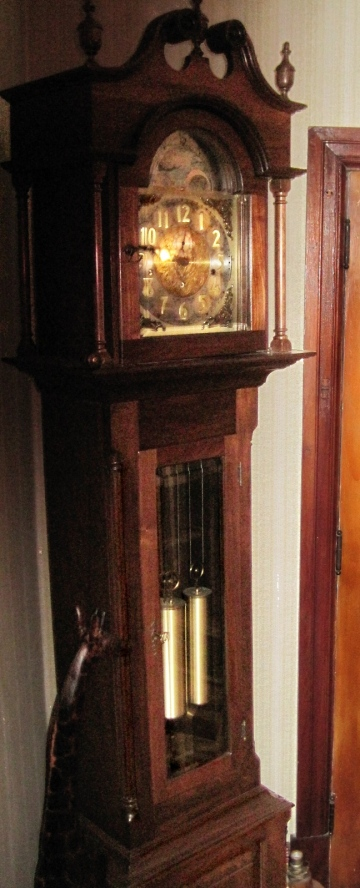 GrandfatherClock_crop_180