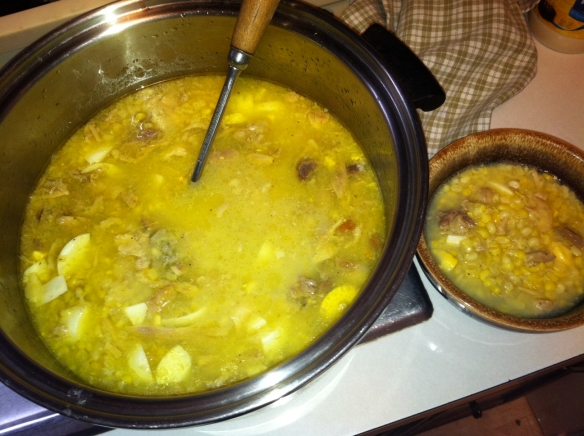 Mom's Chicken Corn Soup without Rivels