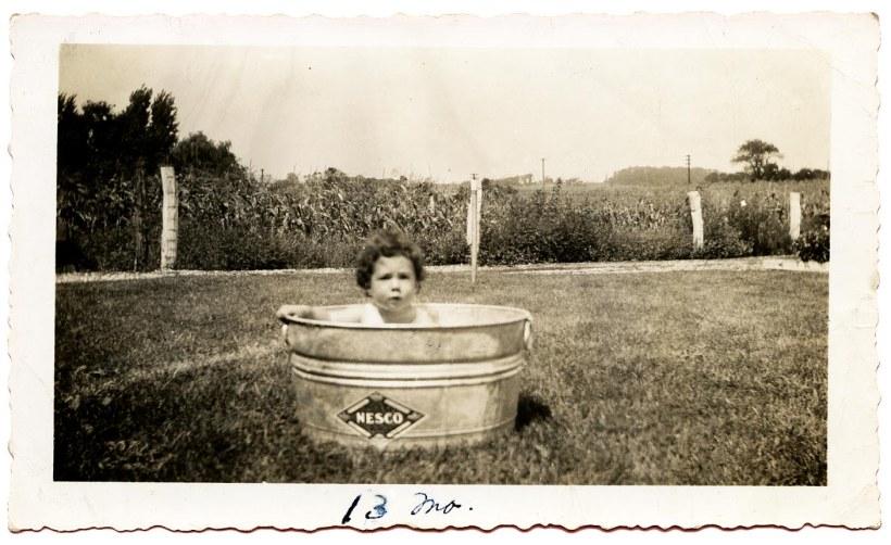 Marian in tub_13 months_4x3_300