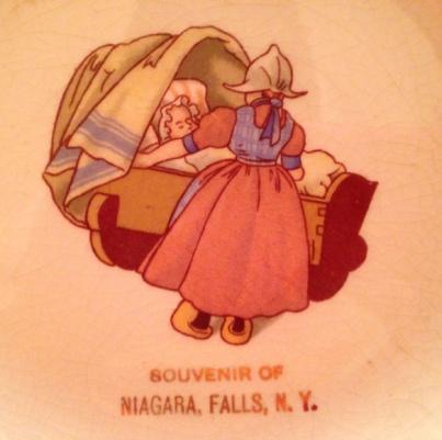 NiagaraFallsSaucerDetail