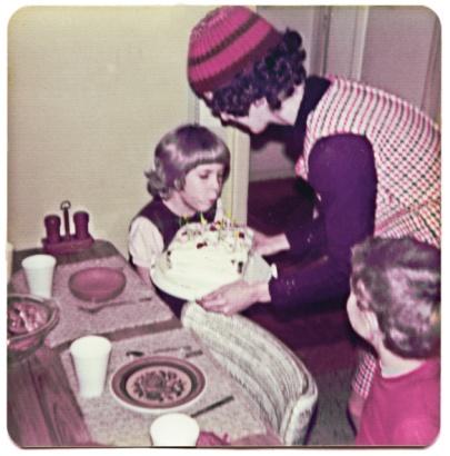 Hat1977redStocking
